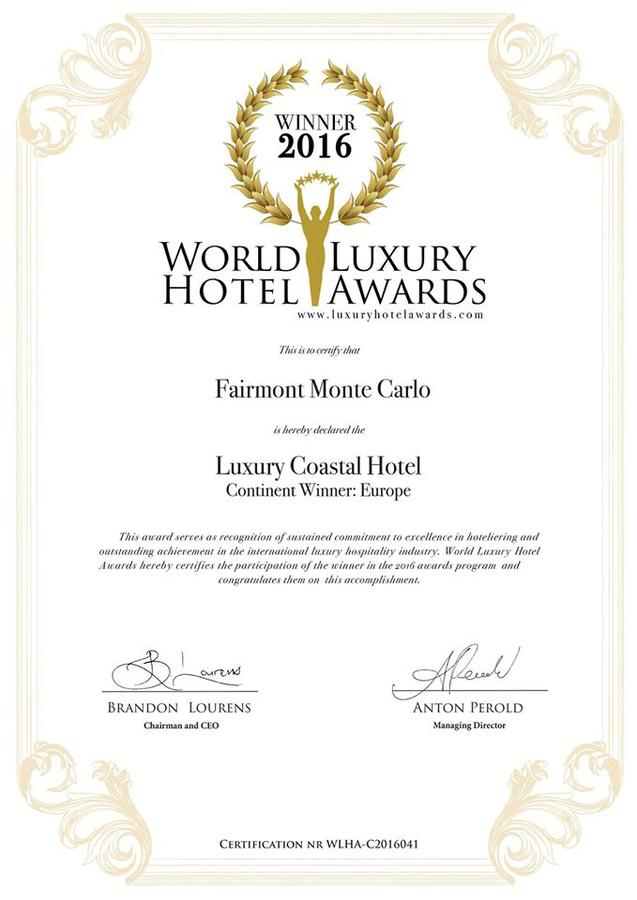 Le fairmont monte carlo re oit un world luxury hotel award for Luxury hotel awards