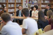 Hiroshima 1 - Noriko Sakashita, Hiroshima survivor, shares her story with a class of final-year pupils at Lycée Albert I ©Government Communication Department/Michael Alesi