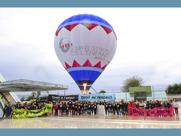 30th Universal Children's Day - Wednesday 20 November 2019 - 9 days to go! - A hot-air balloon to celebrate Universal Children's Day