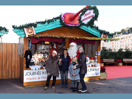 Stand dedicated to children's rights at Christmas market
